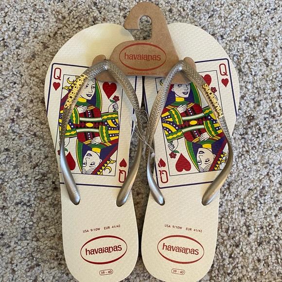 Havaianas queen of hearts gold flips flops 9/10